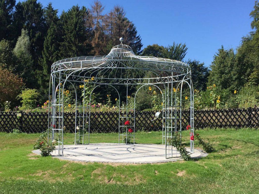 Unser Rosenpavillon